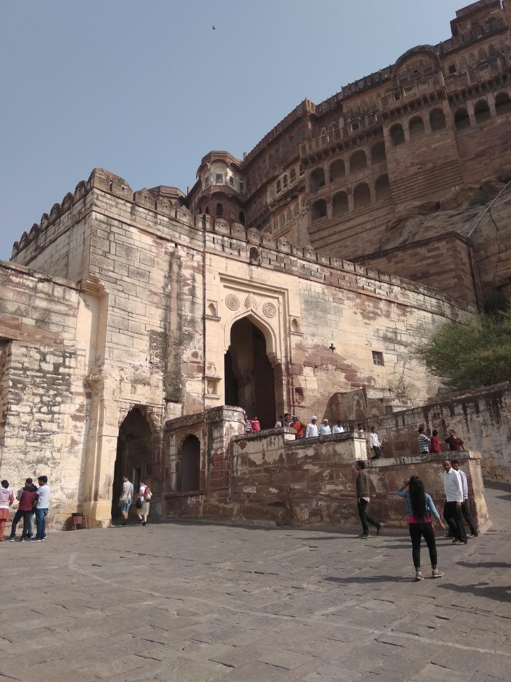 Gate (2)