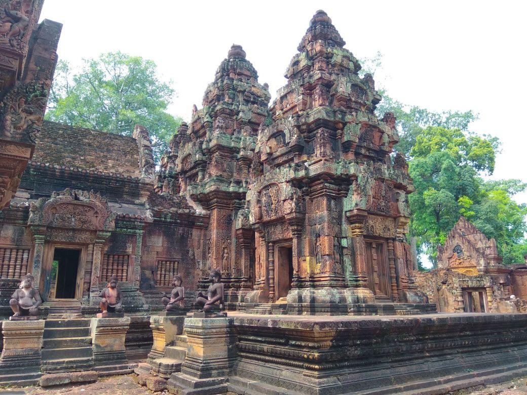 Bantey Srei Temple (4)