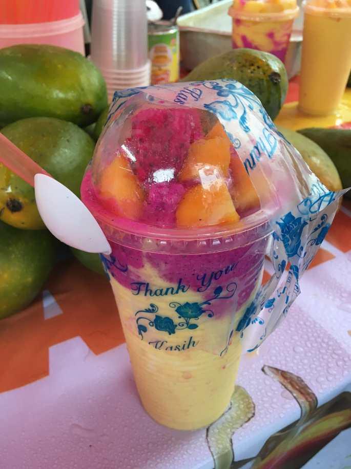 Mango-dragonfruit shake-min