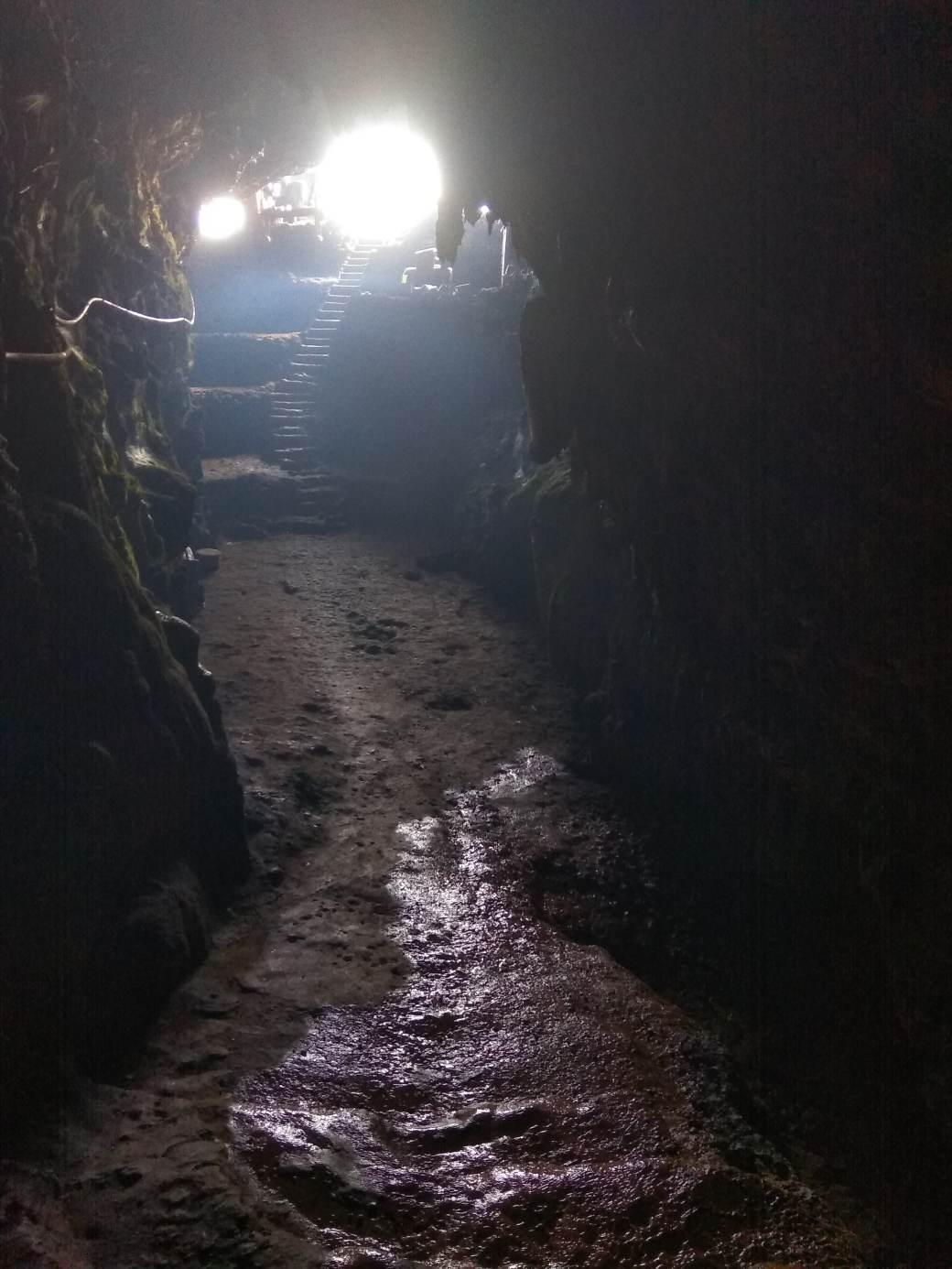 Langse Cave-min