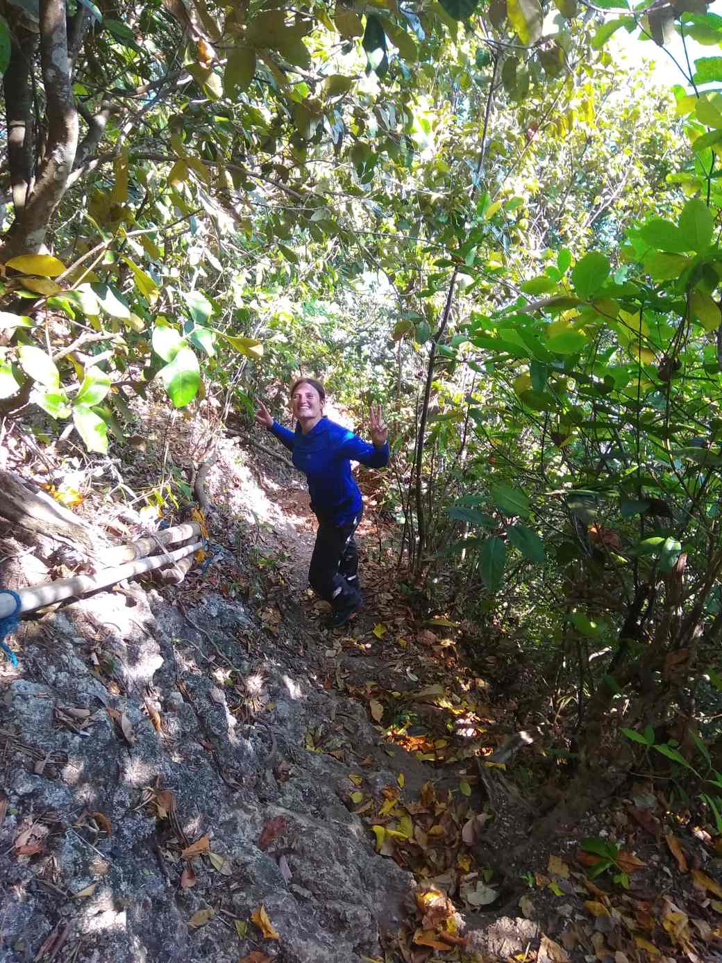 Path to Langse Cave (4)-min