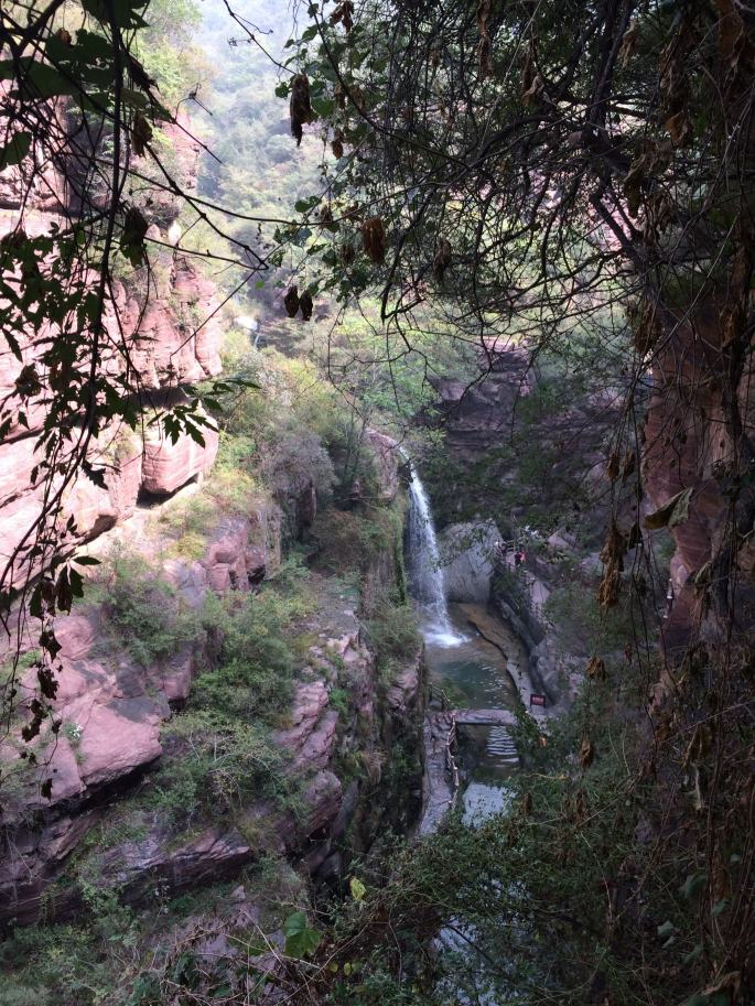 Cascades et roches rouges Yuntaishan (6)