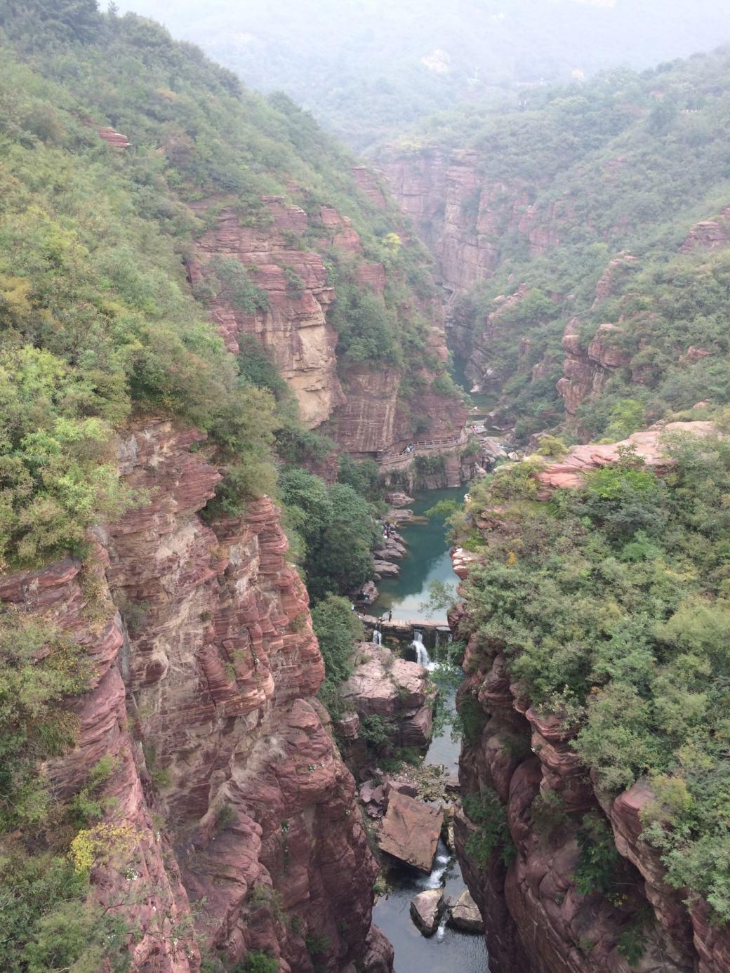 Cascades et roches rouges Yuntaishan (7)