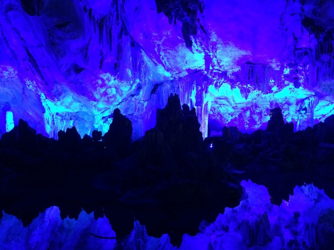 Guilin - Reed Flute Cave (7)-min
