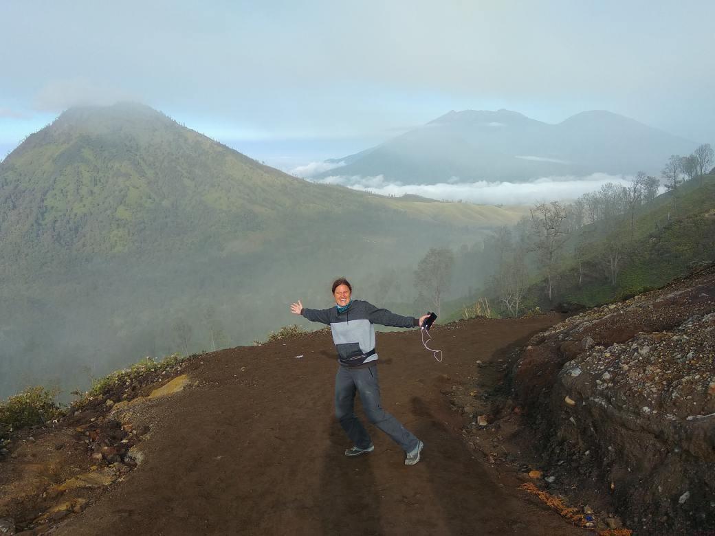 Ijen top path (2)-min