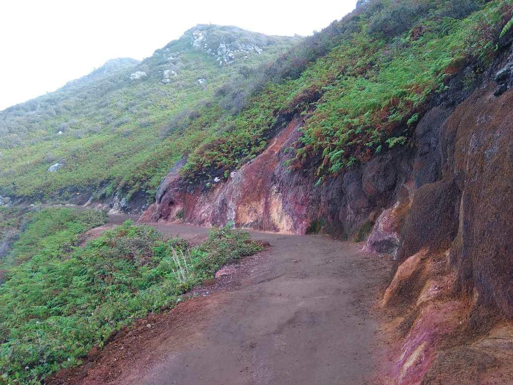 Ijen top path (3)-min