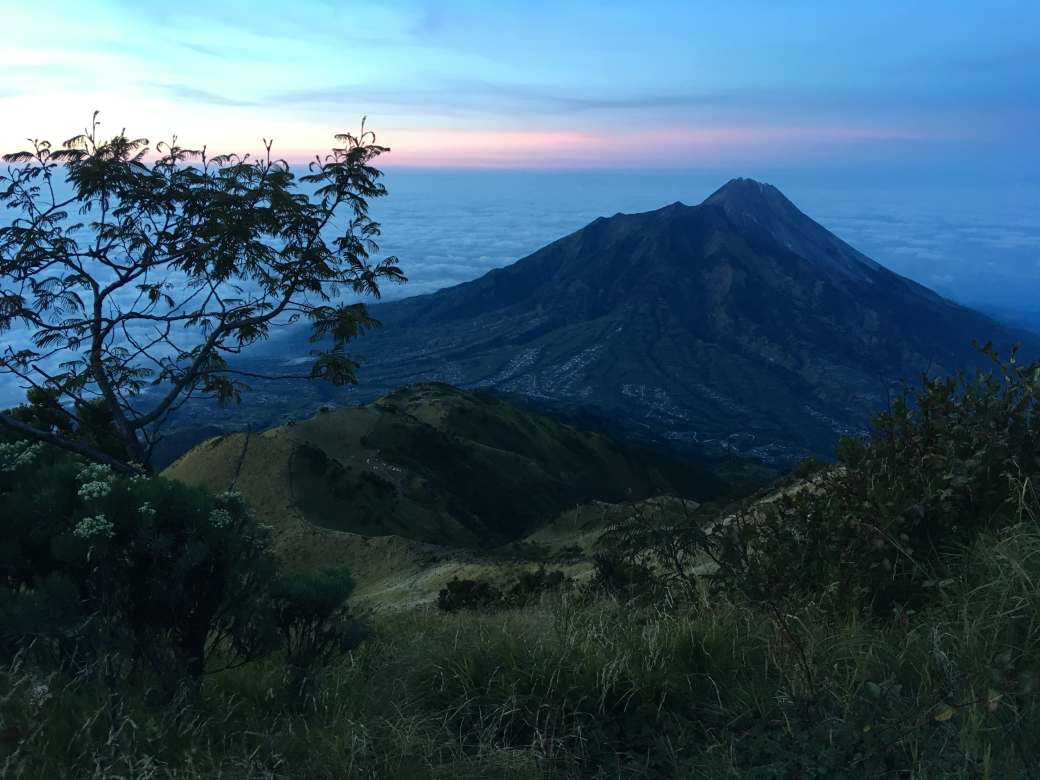 Merapi Viewpoint - Merbabu Trek (3)-min