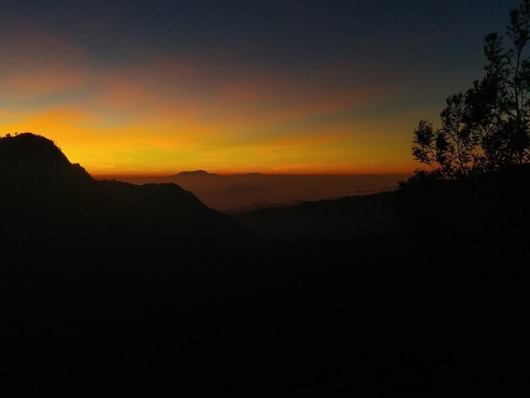 Path to king Kong Hill sunrise Bromo (10)-min