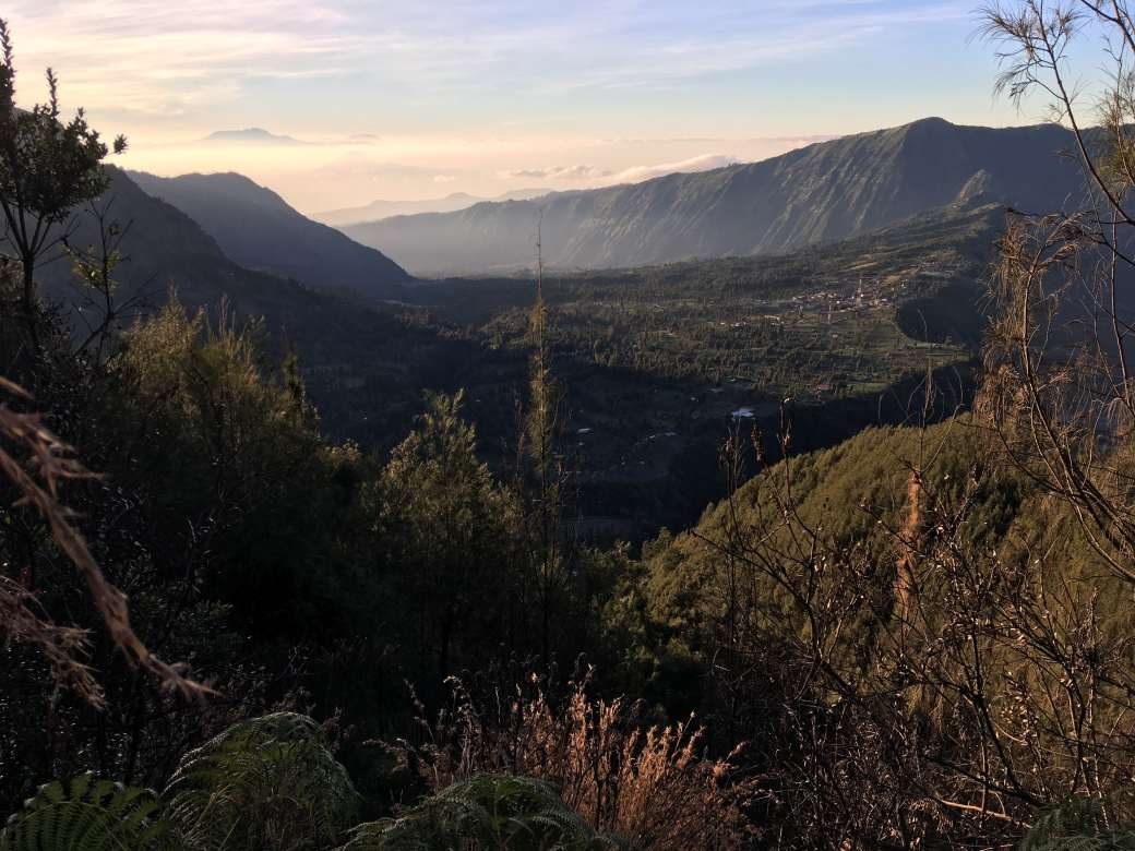 Path to king Kong Hill sunrise Bromo (15)-min