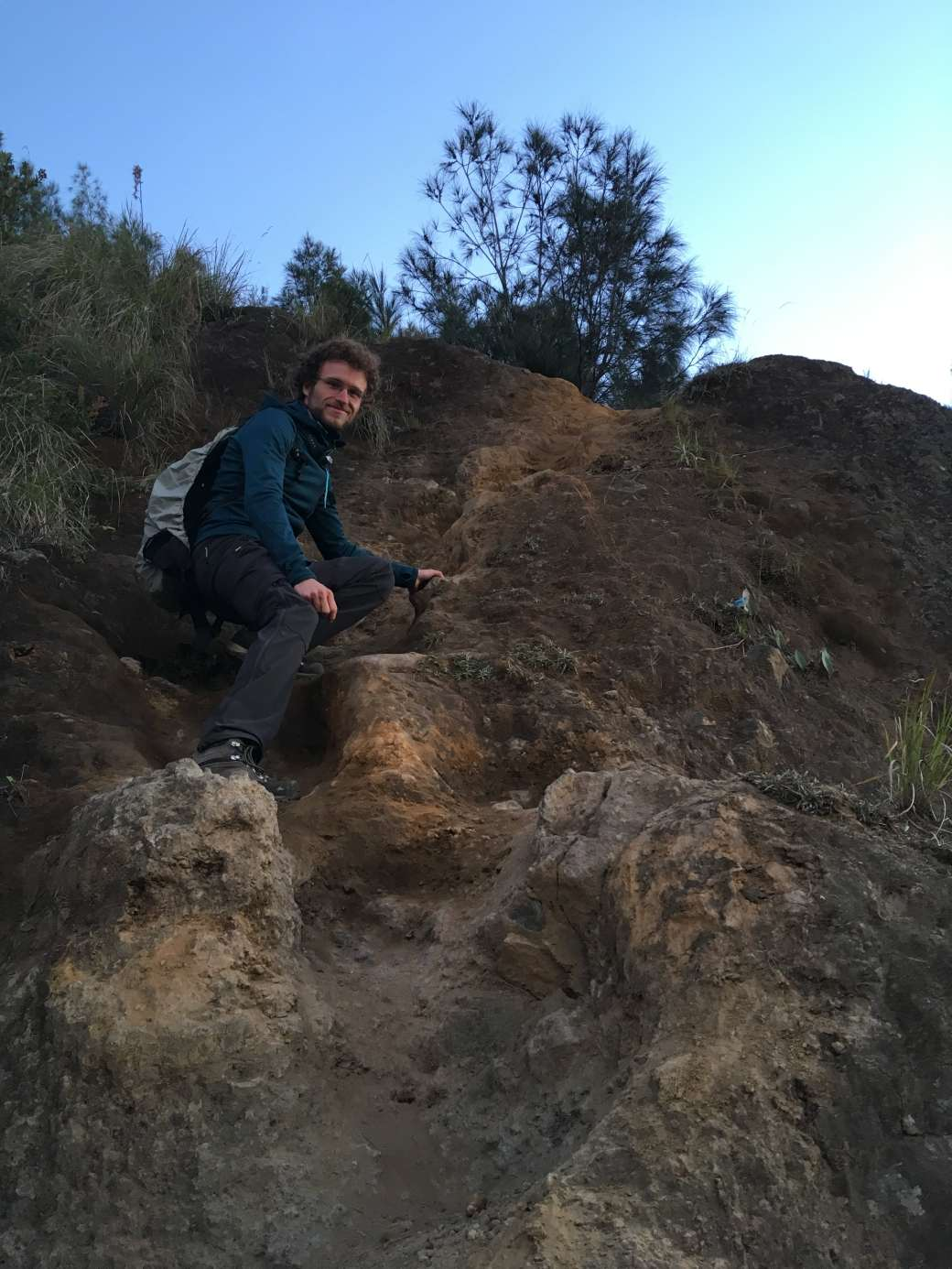 Path to king Kong Hill sunrise Bromo (3)-min