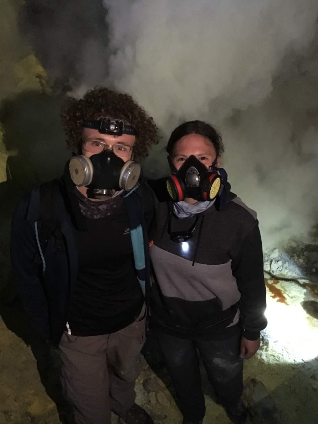 Sulfur fumes Ijen-min